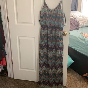 Maxi Dress High-Low w/ attached Necklace